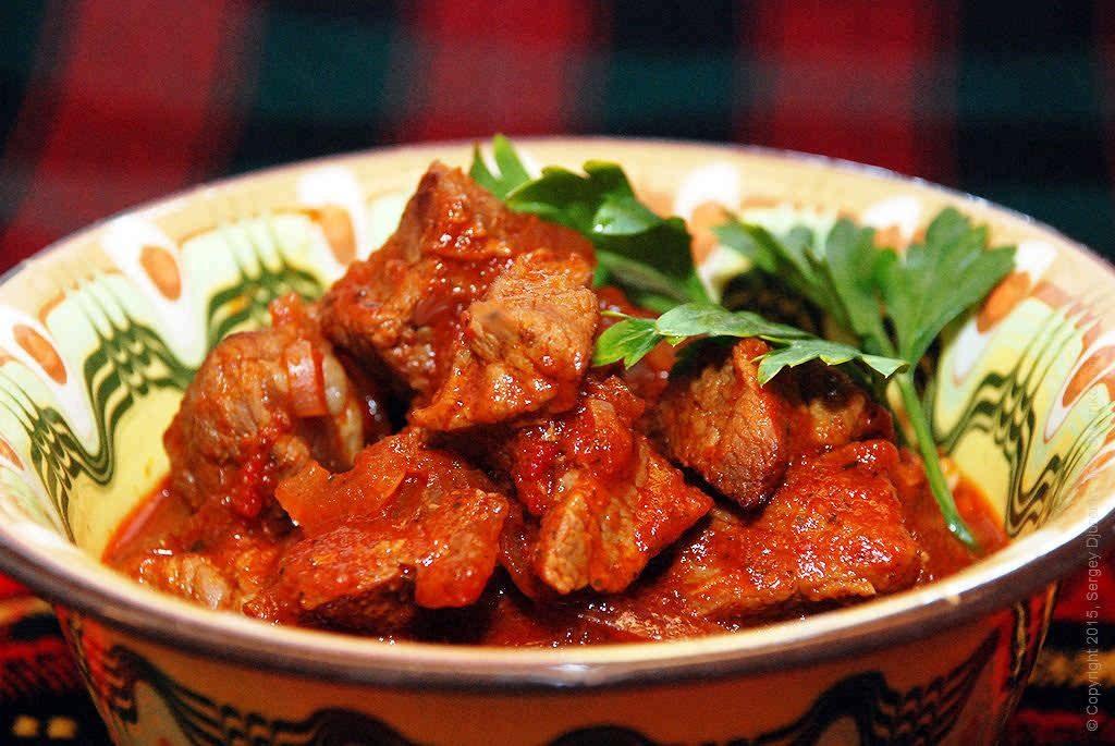 говядина в томатной пасте по-грузински