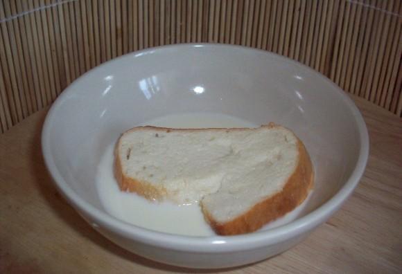 Хлеб, замоченный в молоке