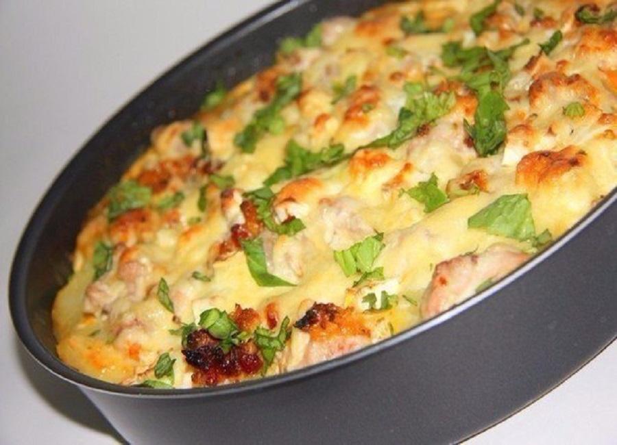 картошка с грибами кабачком и курицей под сыром