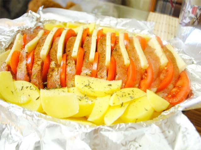 Гармошка из свиного мяса с картошкой