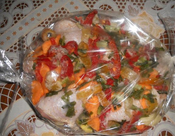 куриные ножки с морковью перцем кабачком в пакете для запекания