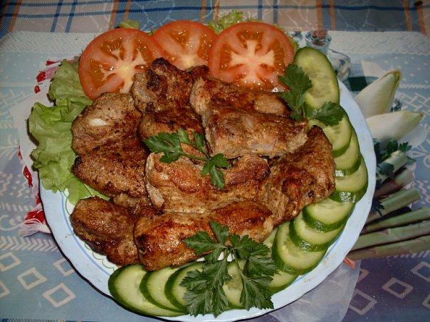 Свиные ребрышки из духовки с овощами