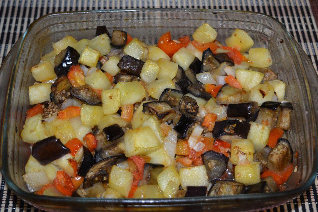 Овощи в духовке в стеклянной форме