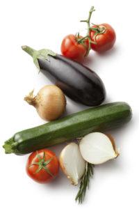 Лук, томаты, баклажан, кабачок
