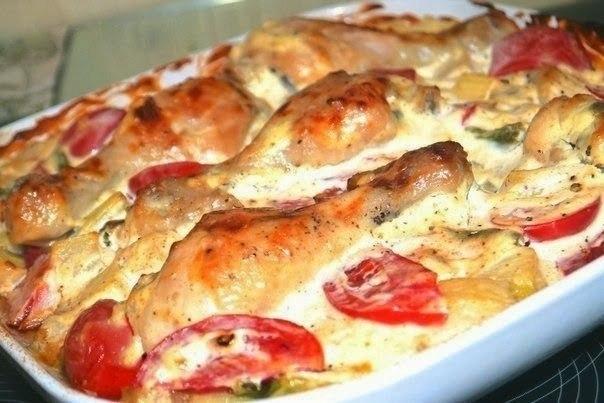 Куриные ножки с овощами в сметанном соусе