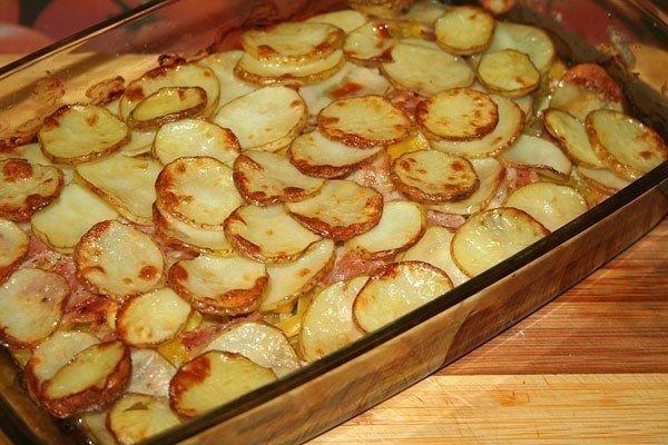 Румяный слой из картошки