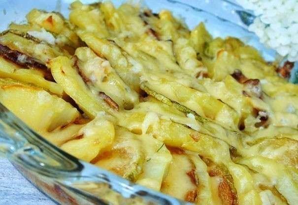 Запеченная картошка с кабачками