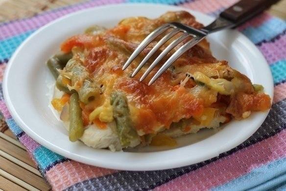 Курятина с овощами под сыром