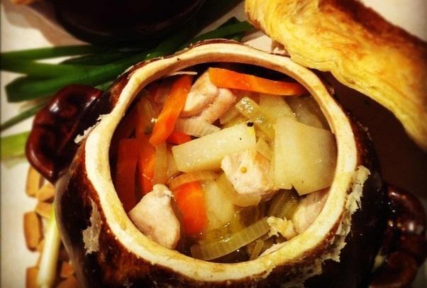 Картошка с индейкой в горшке