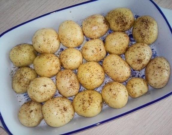 Картошка в форме для запекания
