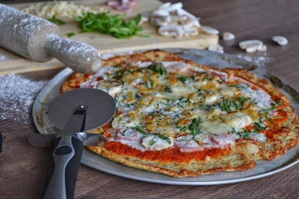 Готовая ПП пицца с курицей в духовке