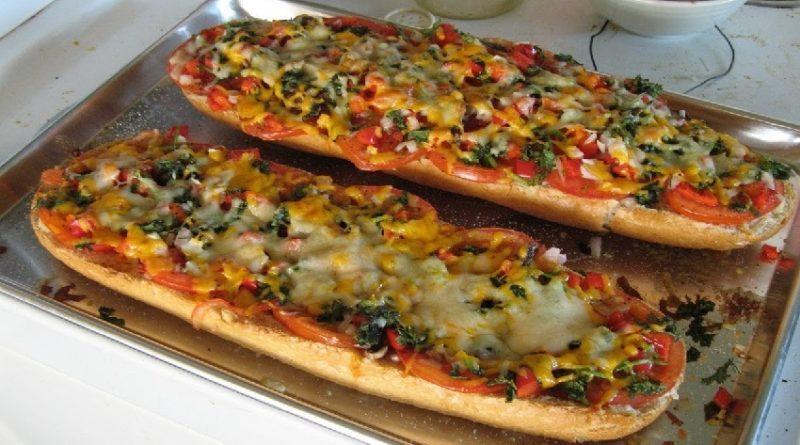 Пицца в батоне в духовке