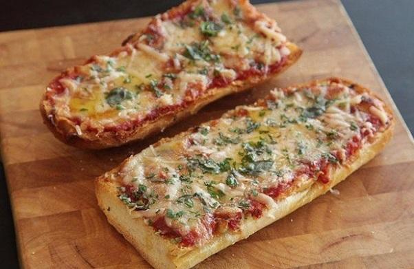 Пицца на багете