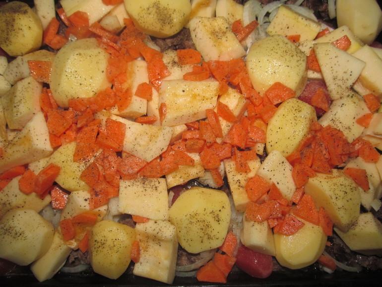 Выкладка овощей с мясом