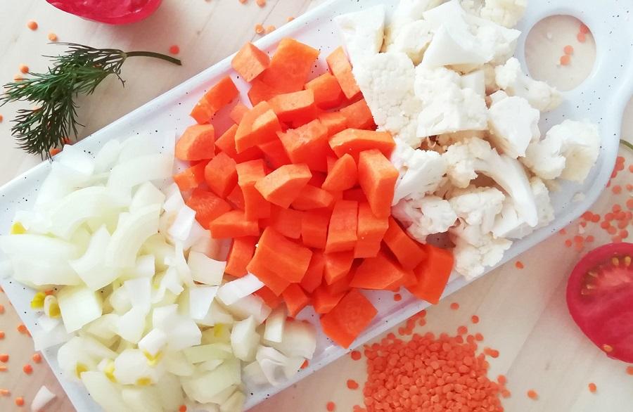 Нарезка моркови, лука, цветной капусты