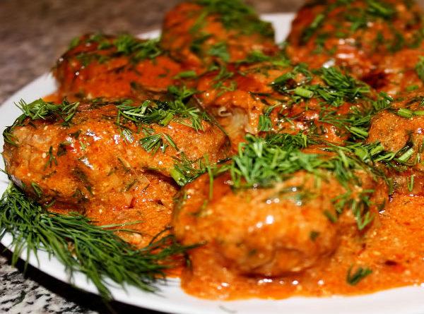 голубцы в духовке в томатно-сметанном соусе