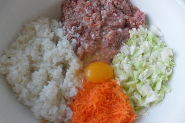Рис, фарш, капуста, яйцо, морковь