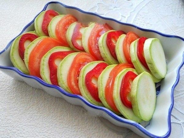 Выкладка овощей