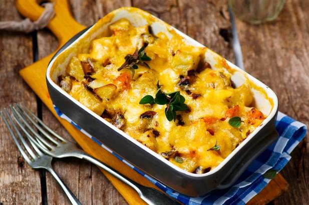 Запеканка из тыквы с картошкой и грибами под соусом