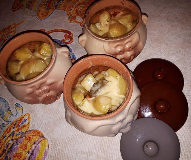 Говядина в горшочках с картошкой в духовке