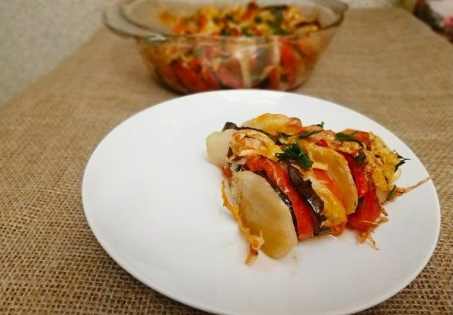 баклажаны в духовке с картошкой