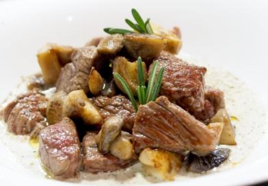 говядина с грибами с картошкой в духовке