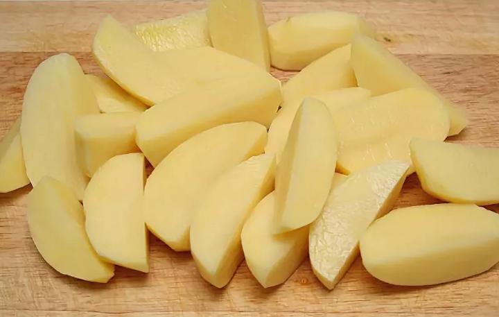 Нарезка картошки дольками