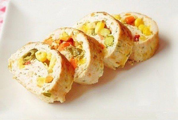 рулет из индейки с начинкой из замороженных овощей