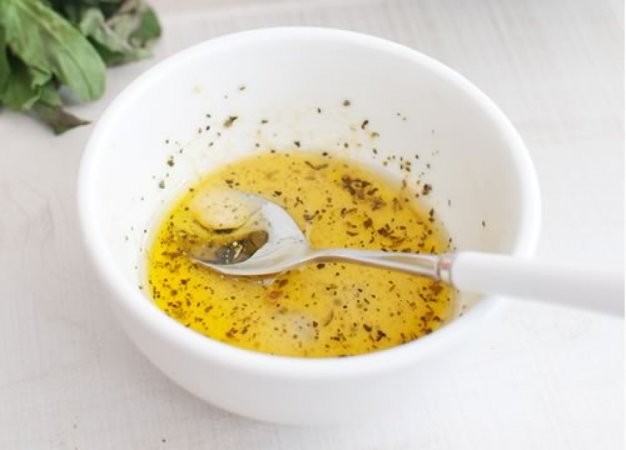 Маринад из оливкового масла и специй